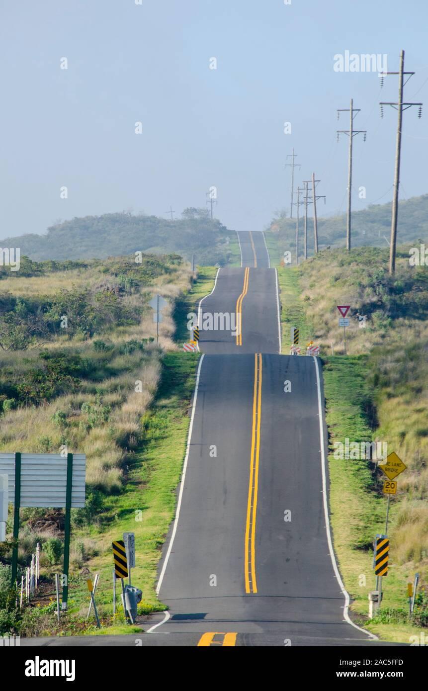Signos y sinuosa carretera cosido en la Isla Grande. Foto de stock
