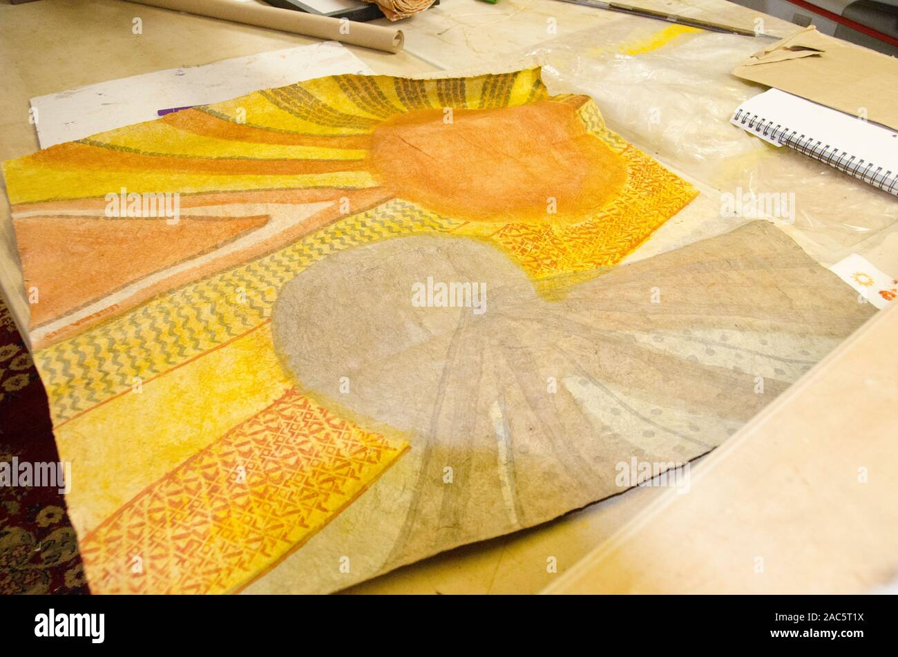 Terminado (o tapas kapa paño) después de haber sido teñidos y completado por el artista Roen Hufford, Isla Grande. Foto de stock