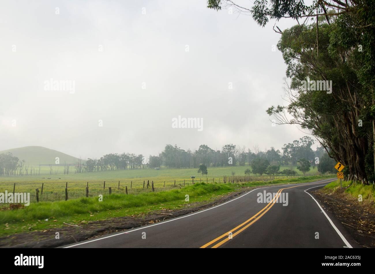 Bobinado, Misty Saddle Road en la Isla Grande. Foto de stock