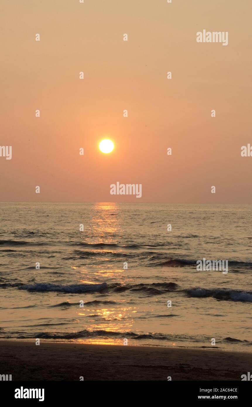 Un hermoso atardecer en el Hapuna Beach, Isla de Hawai'i (Isla Grande). Foto de stock