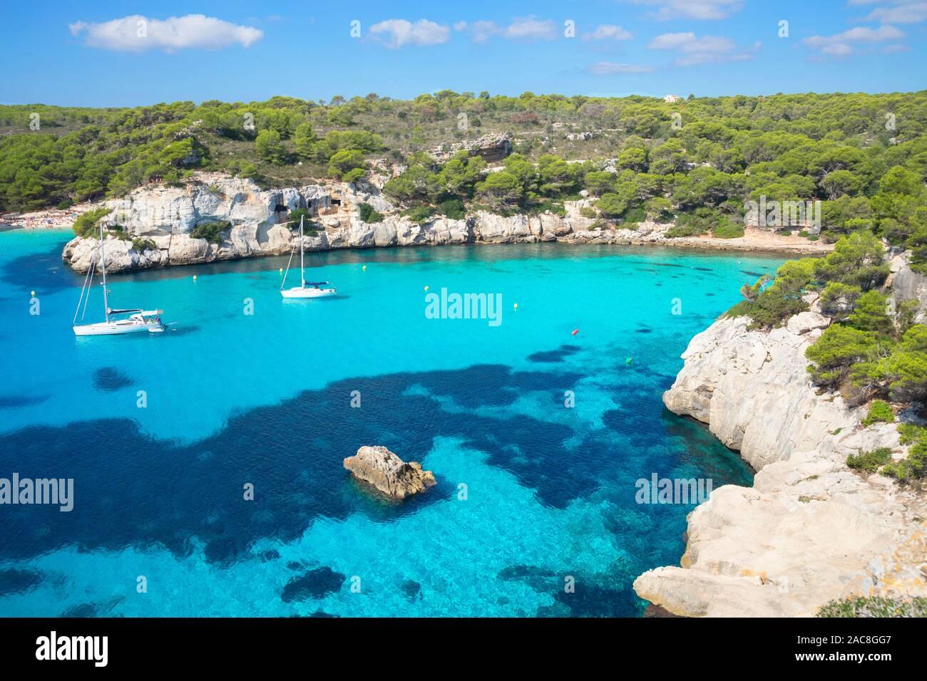 Vista elevada de Cala Macarelleta, Menorca, Islas Baleares, España, Europa Foto de stock