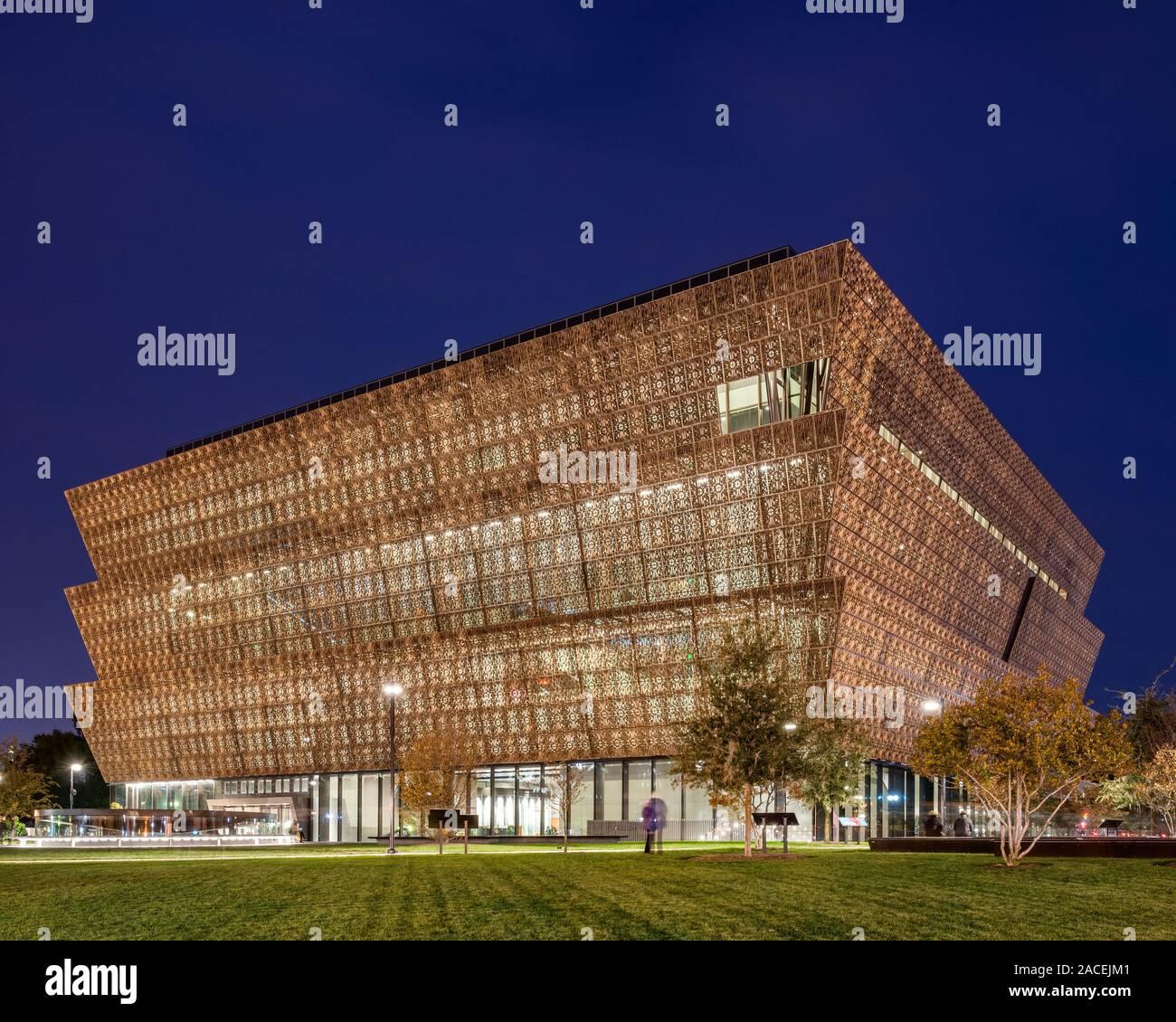 Museo Nacional de Historia y Cultura Afroamericana, diseñado por David Adjaye Foto de stock