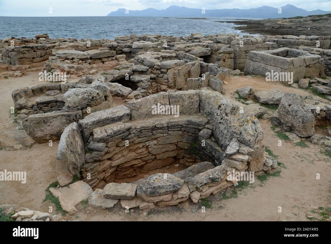 La necrópolis de Son Real, Mallorca Foto de stock