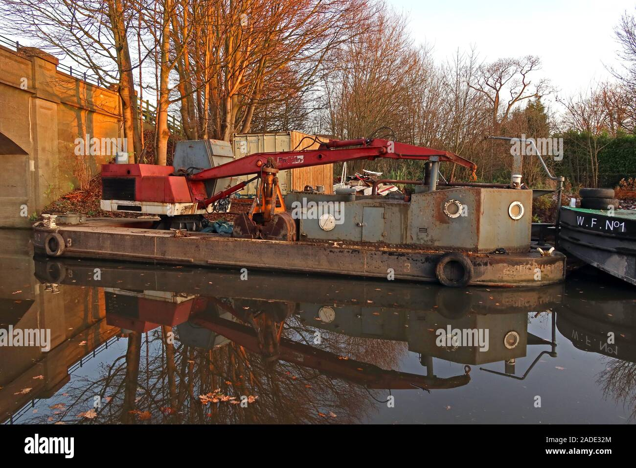 Water Witch,Working Barge,Bridgewater Canal, Lymm,Warrington,Cheshire,Inglaterra,Reino Unido,WA4 Foto de stock