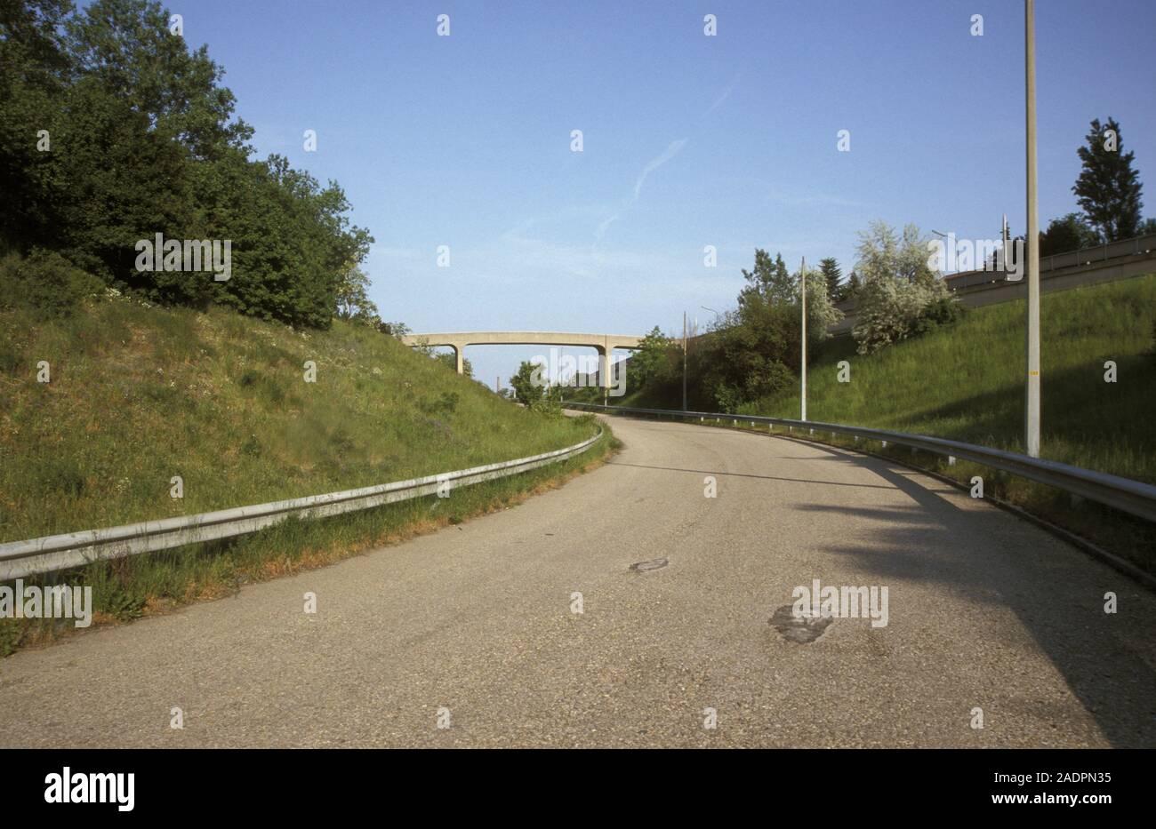 Autobahn; Südosttangente Stillgelegte, A23, gesperrte Abfahrt Simmering, unbenutzt Foto de stock