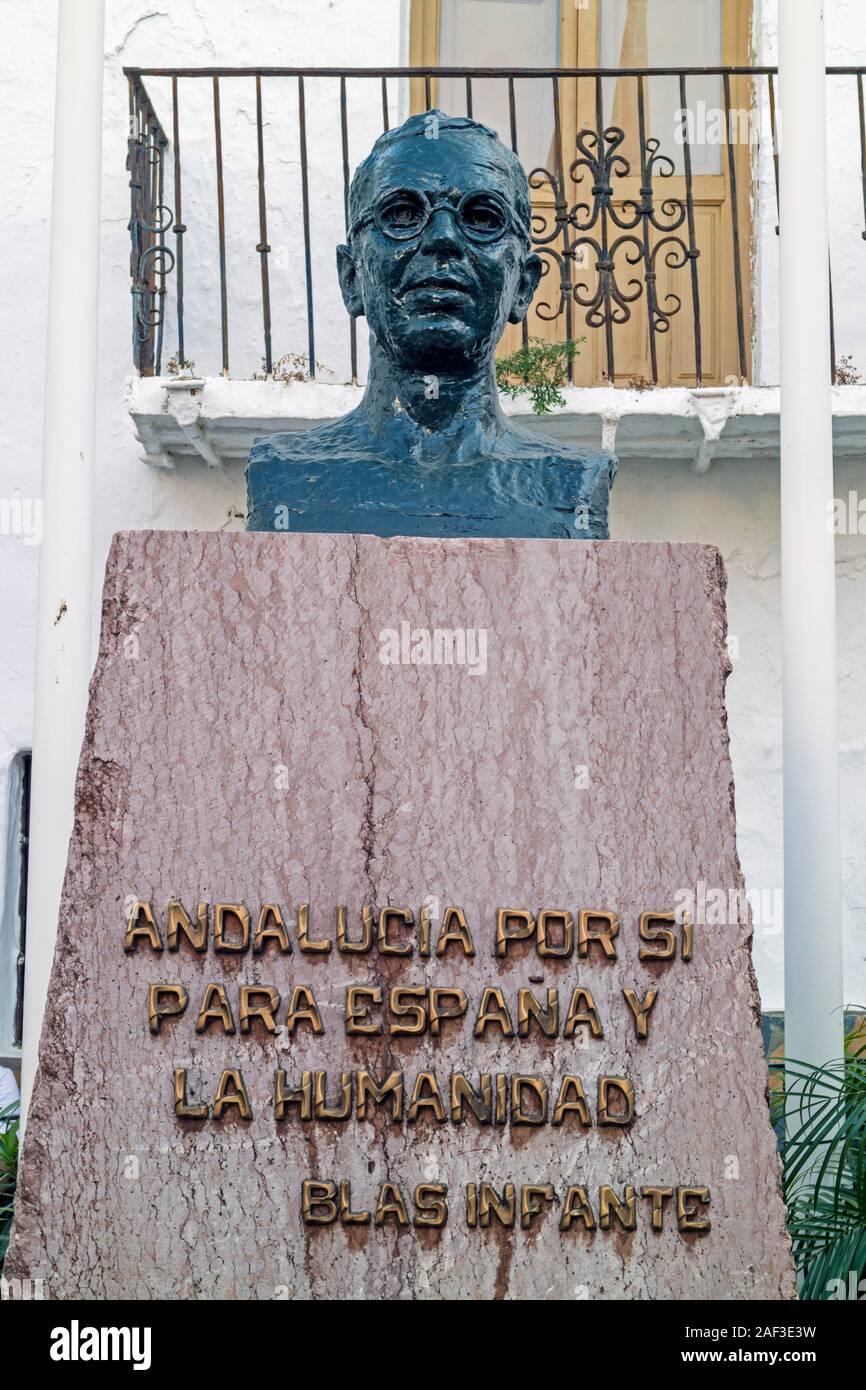 Busto de Blas Infante Pérez de Vargas, 1885-1936, político andaluz, conocido como el padre del nacionalismo andaluz. Casares, provincia de Málaga, anda Foto de stock