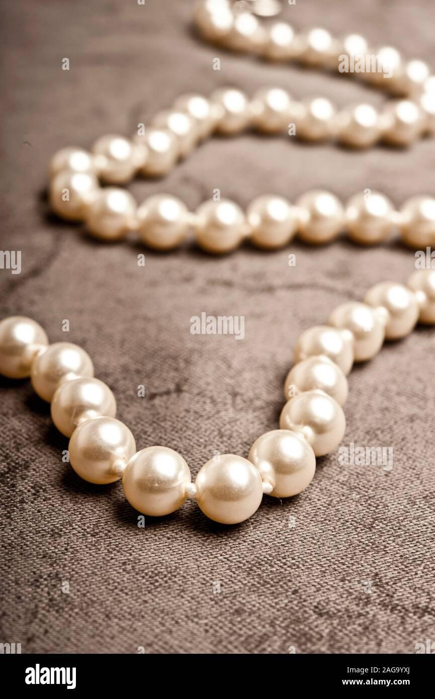 collar de perlas Foto de stock