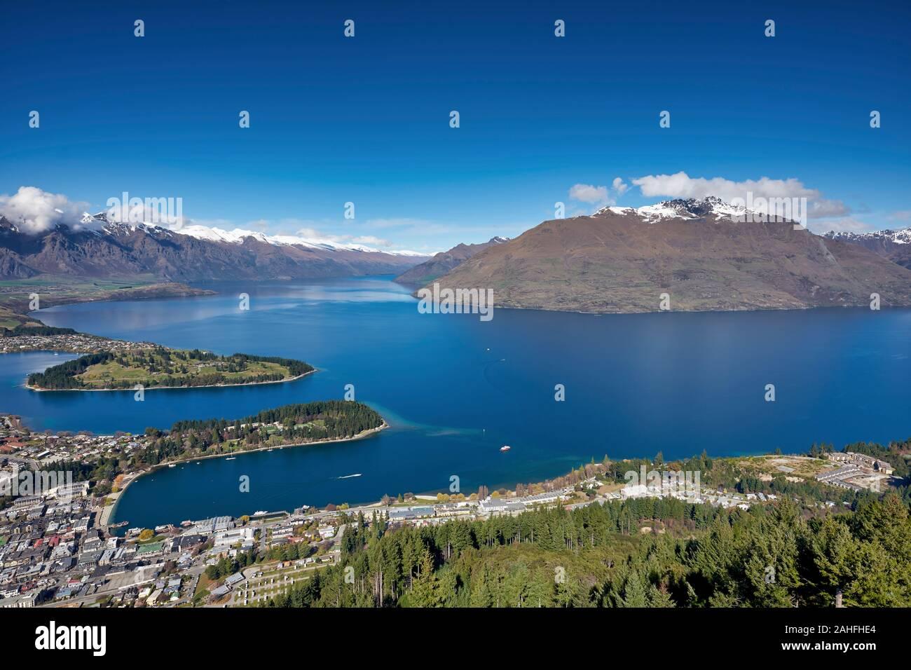 El lago Wakatipu. Queenstown. El sur de la isla. Nueva Zelanda Foto de stock