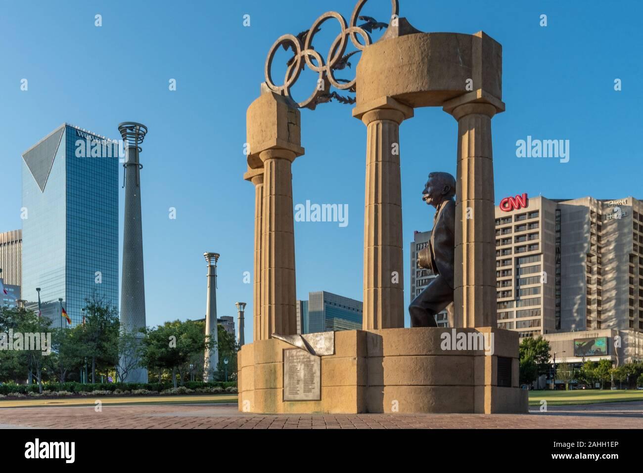 Estatua olímpica en el Centennial Olympic Park en el centro de Atlanta, Georgia. (Ee.Uu.) Foto de stock