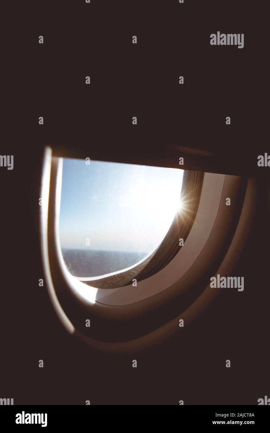 Vista del asiento del acompañante durante la puesta de sol Foto de stock
