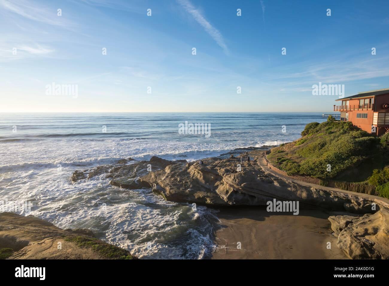 Escena de Invierno costero en la comunidad de Ocean Beach de San Diego, California, USA. Foto de stock