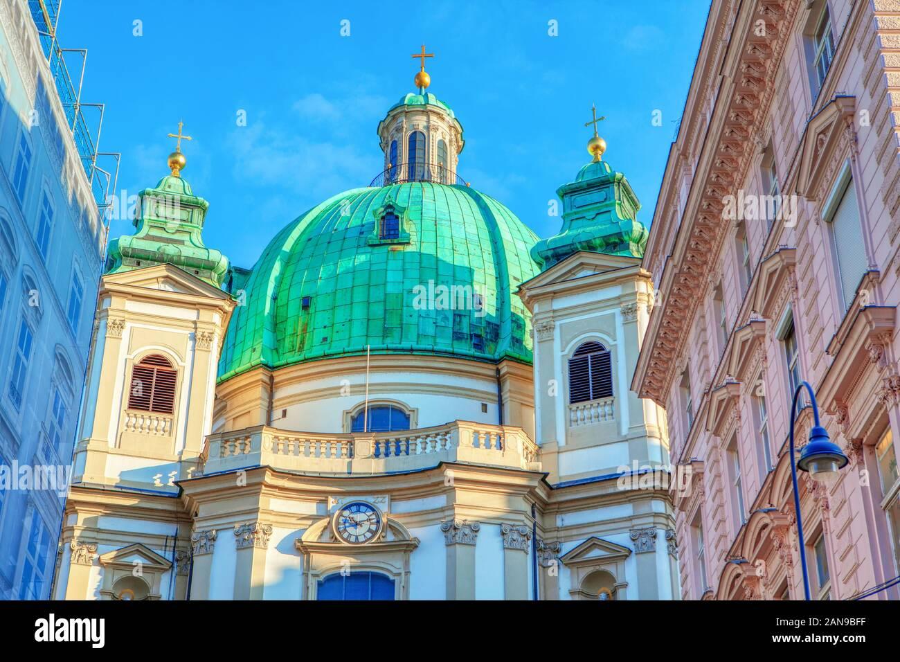 La Iglesia Católica de San Pedro en el centro de Viena Foto de stock