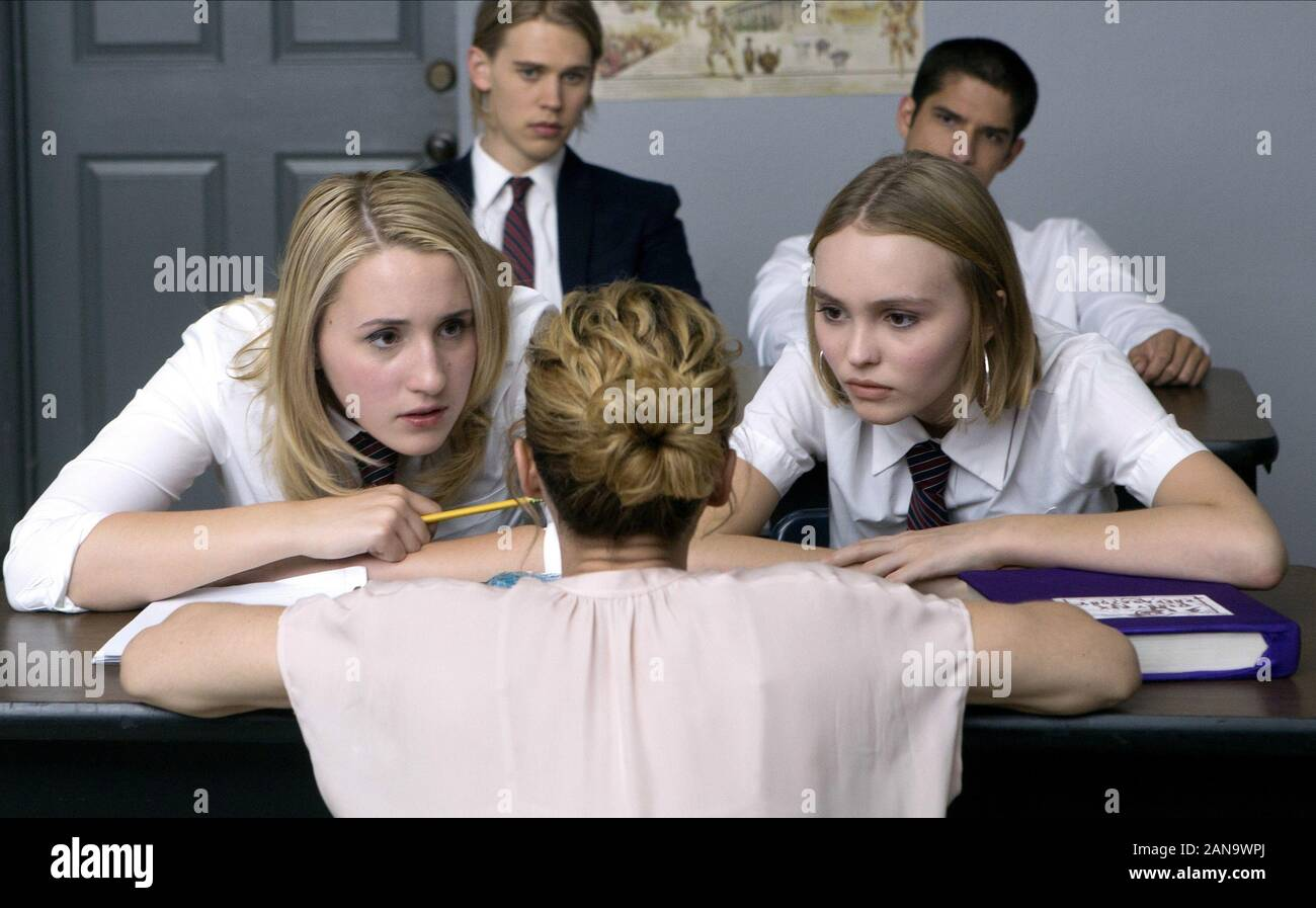 Lily-Rose Johnny Depp, Austin Butler, Vanessa Paradis, Harley Quinn Smith & Tyler Posey caracteres: Colleen Collette, Hunter Calloway, Sra. Maurice, Colleen McKenzie, Gordon Greenleaf Film: Yoga Hosers (2016) Director: Kevin Smith el 24 de enero de 2016 Foto de stock