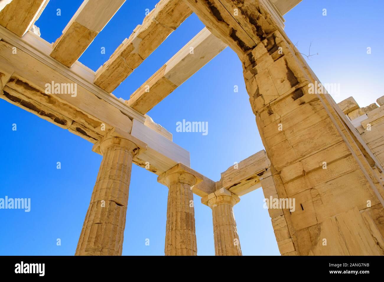 El Partenón, el famoso templo antiguo en la Acrópolis de Atenas, Grecia Foto de stock