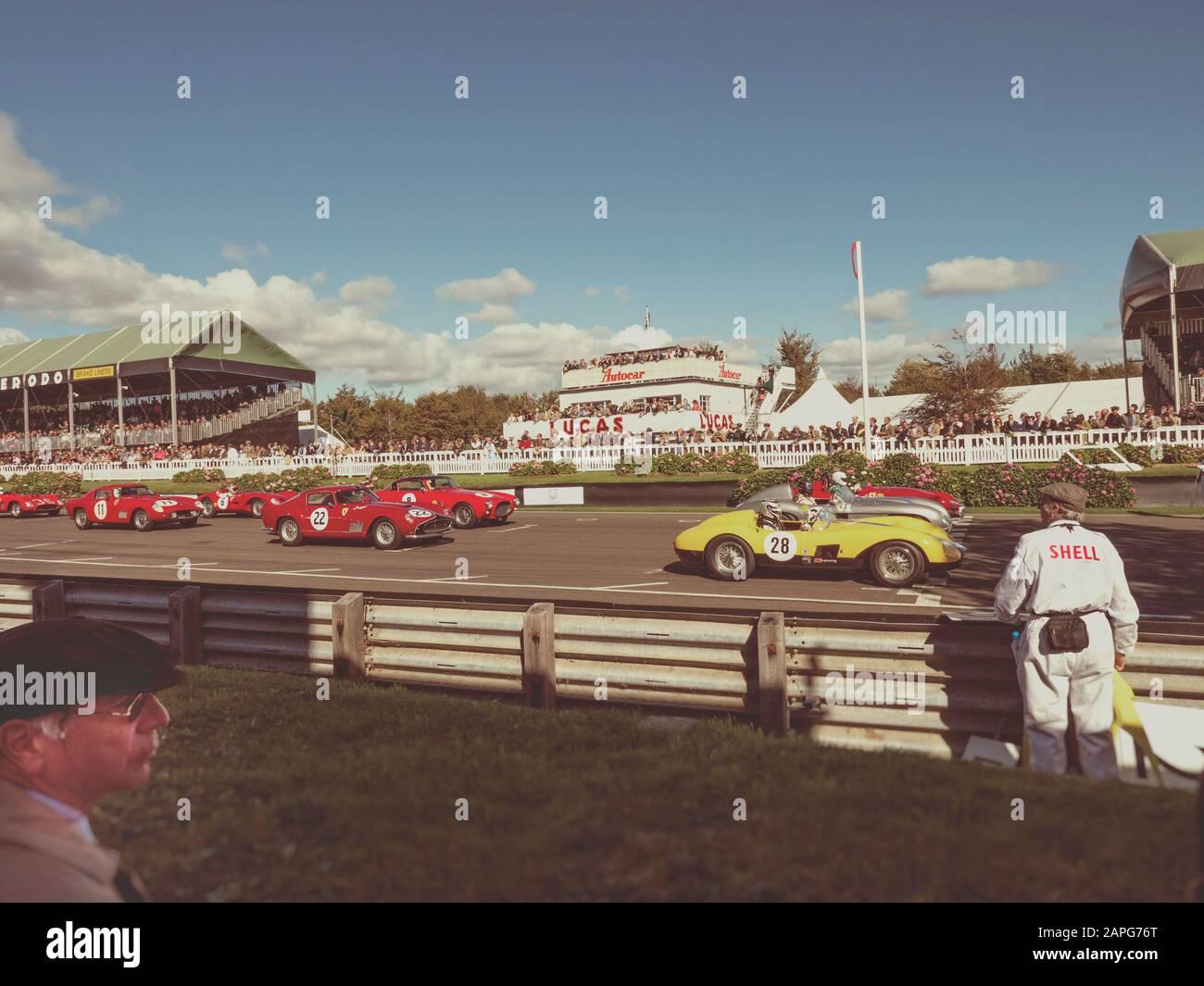 Carrera de celebración del RAC TT Goodwood Revival 2015 Foto de stock