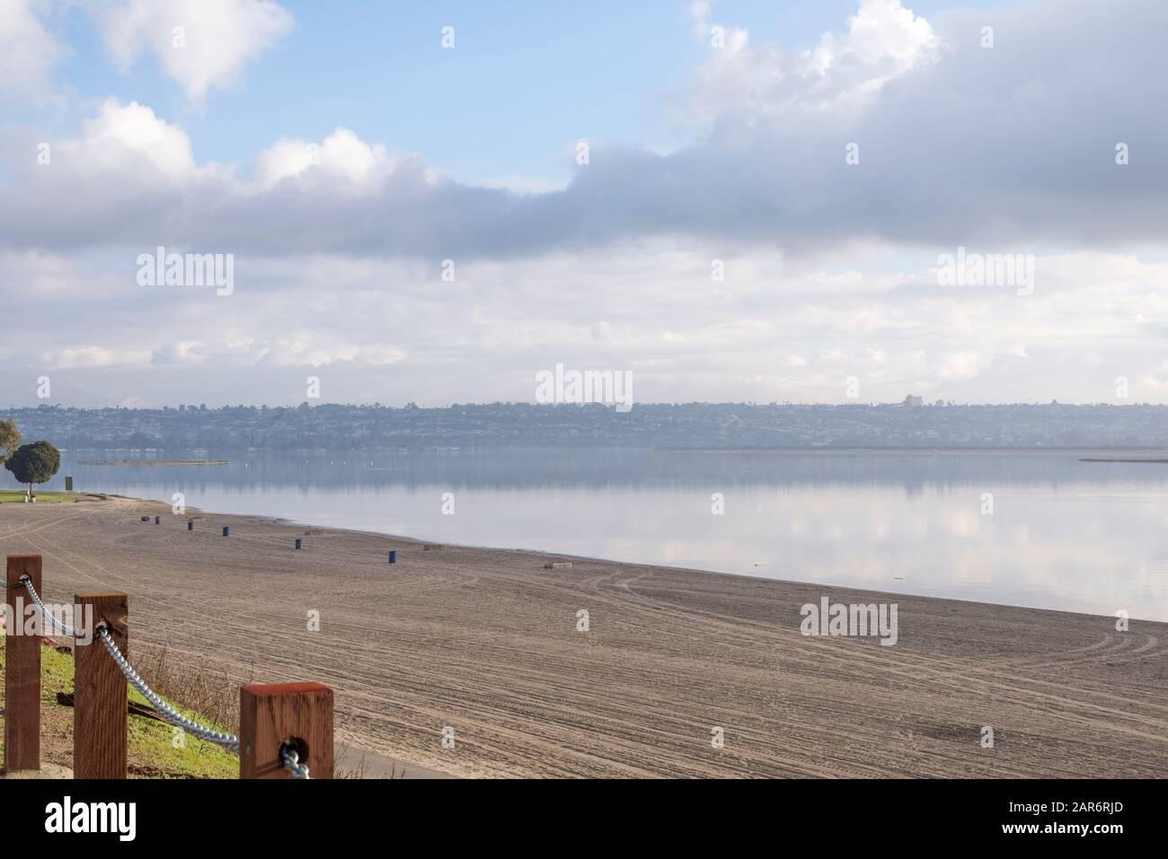 Mission Bay Park en una mañana nublada. San Diego, California, Estados Unidos. Foto de stock