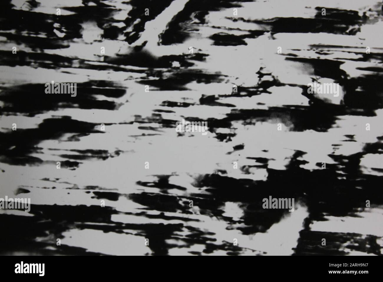 Fotografía abstracta extrema blanca y negra de los años setenta Foto de stock