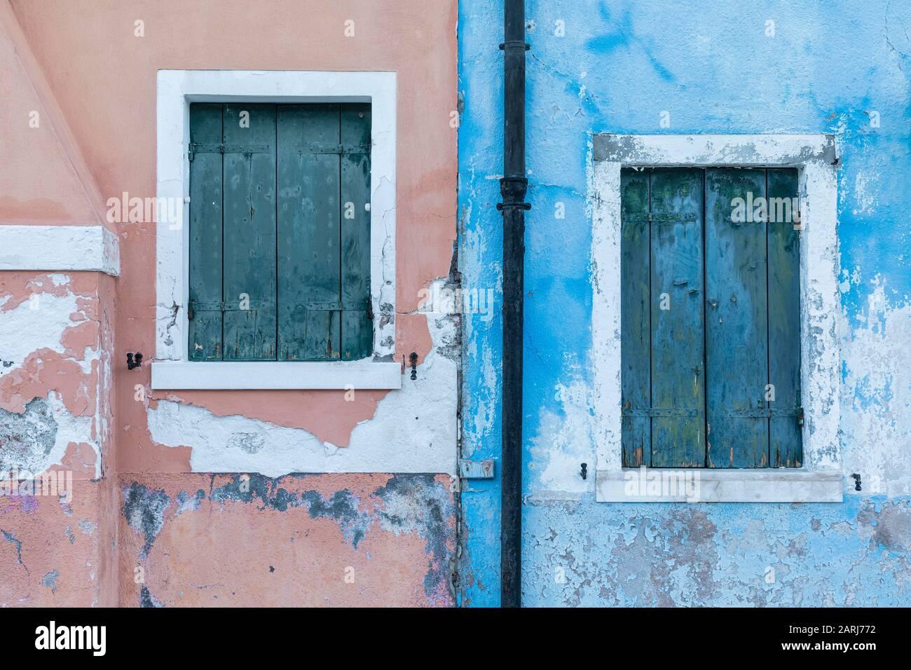 Las coloridas casas de Burano, Laguna de Venecia, Venecia Italia Foto de stock