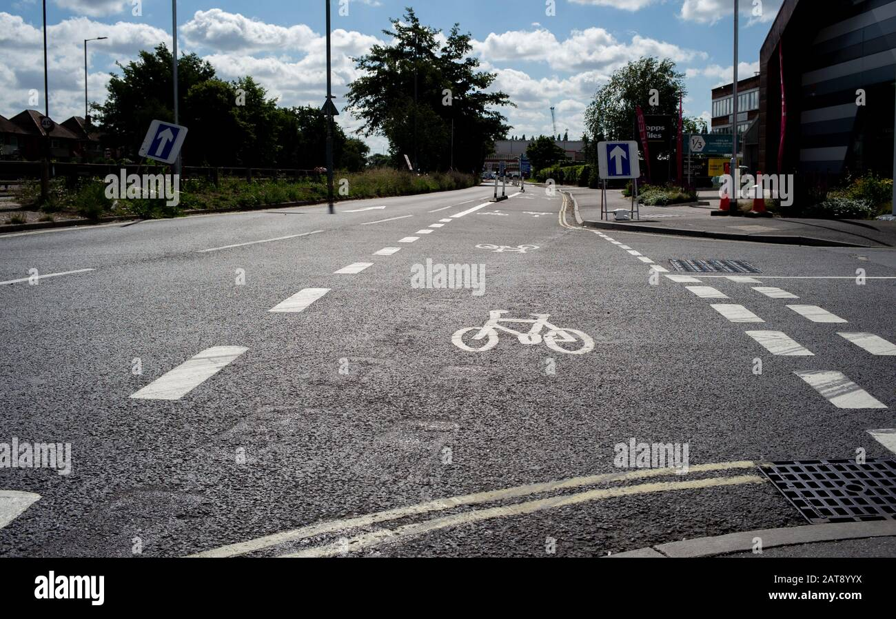 Rutas nacionales de redes de ciclismo que conectan el centro de la ciudad de Southampton con la zona de Totton. El esquema permite a los ciclistas y a los viajeros viajar con seguridad. Foto de stock
