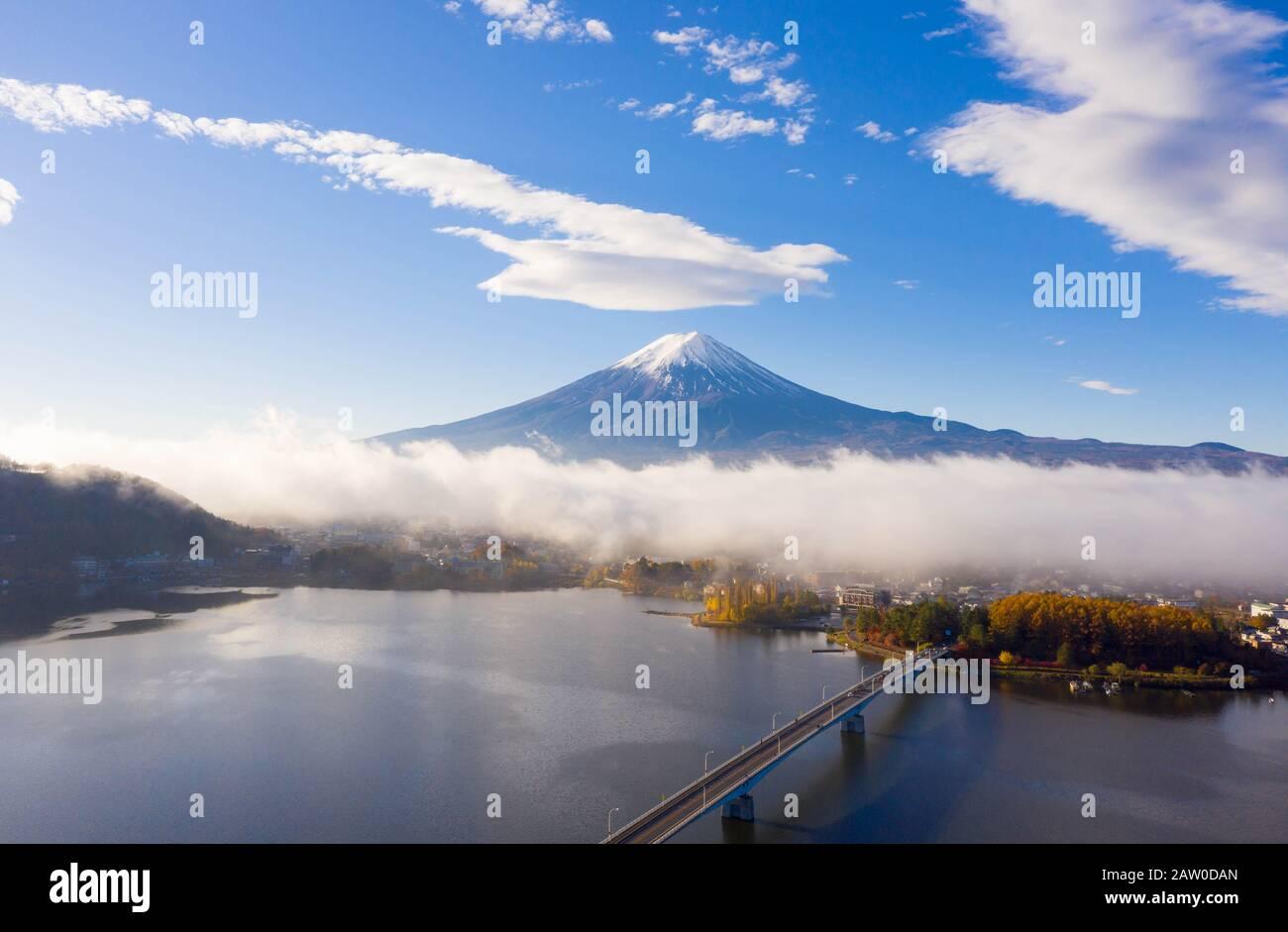 Salida Del Sol Del Lago Kawaguchiko, Monte Fuji, Japón Foto de stock