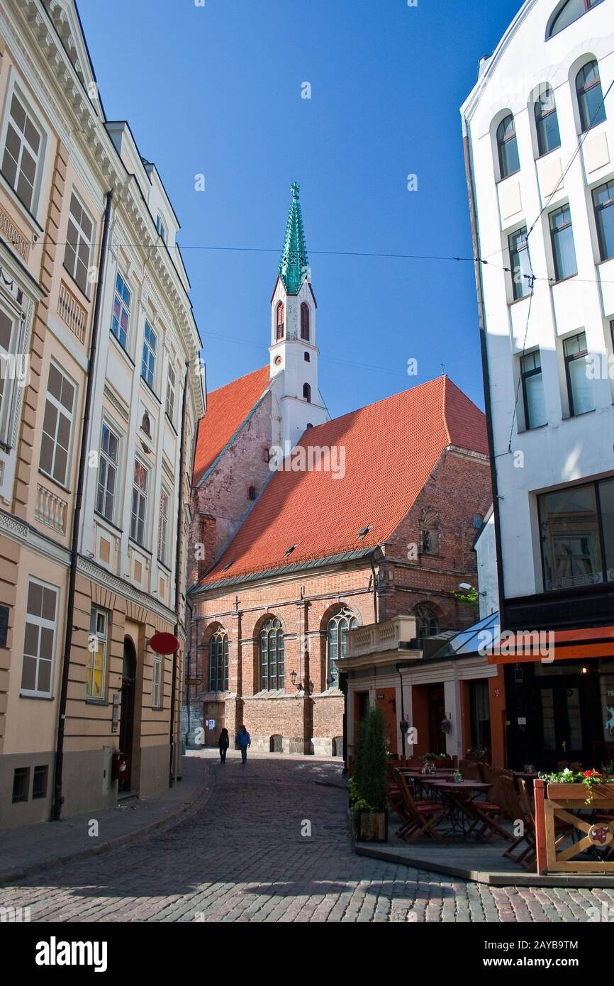 Calle de la vieja Riga. Letonia Foto de stock