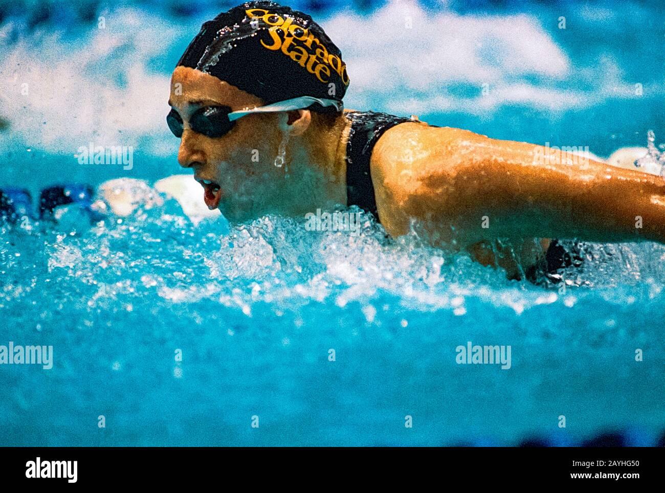 Amy Van Dyken (EE.UU.) compitiendo en los ensayos del Equipo Olímpico de Natación de 1996 Foto de stock