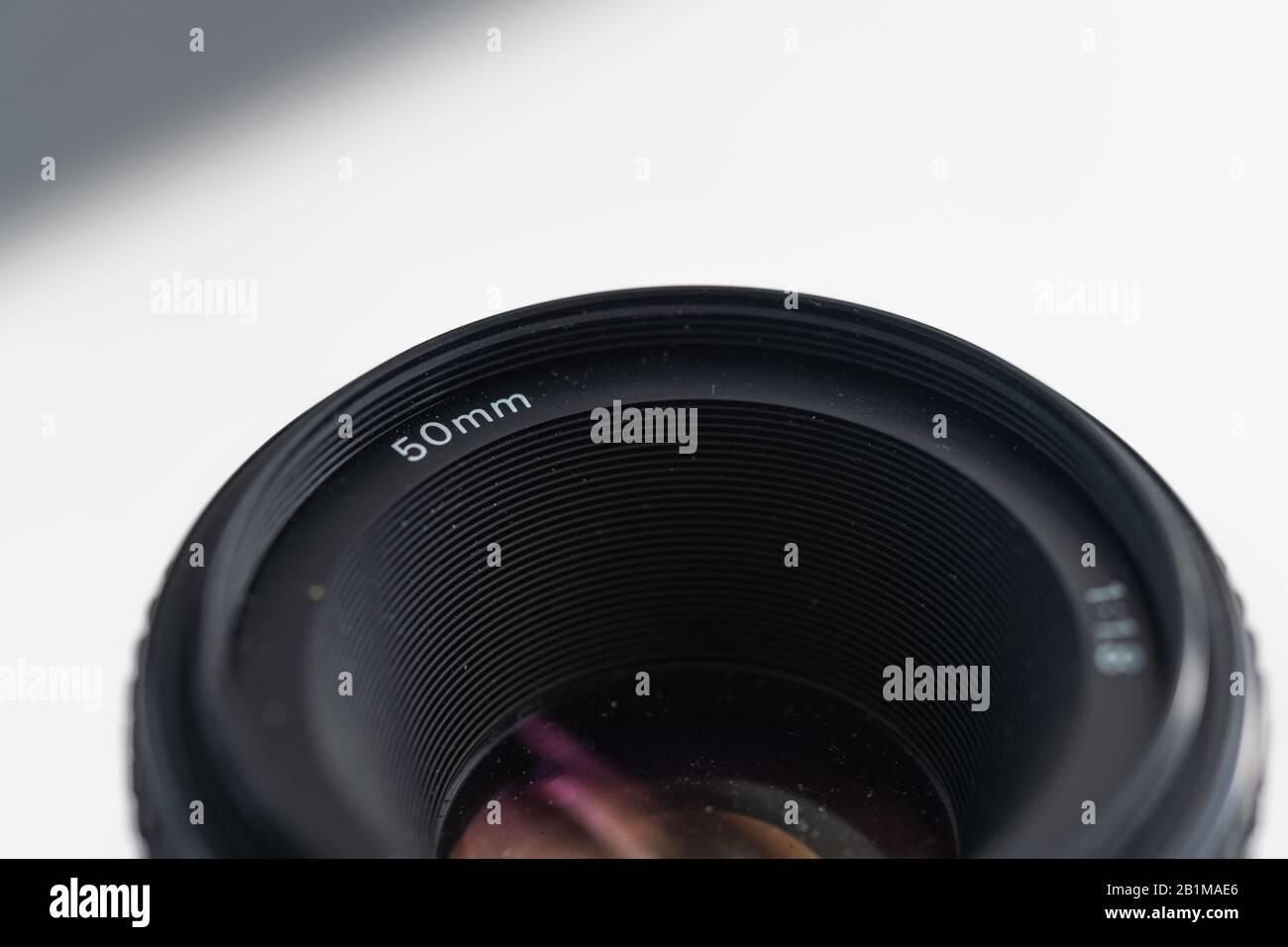 Imágenes detalladas de dos distancias focales antiguas para cámaras SLR digitales Foto de stock