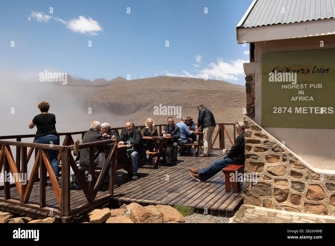 El pub más alto de África, Sani Mountain Lodge, Lesotho Foto de stock