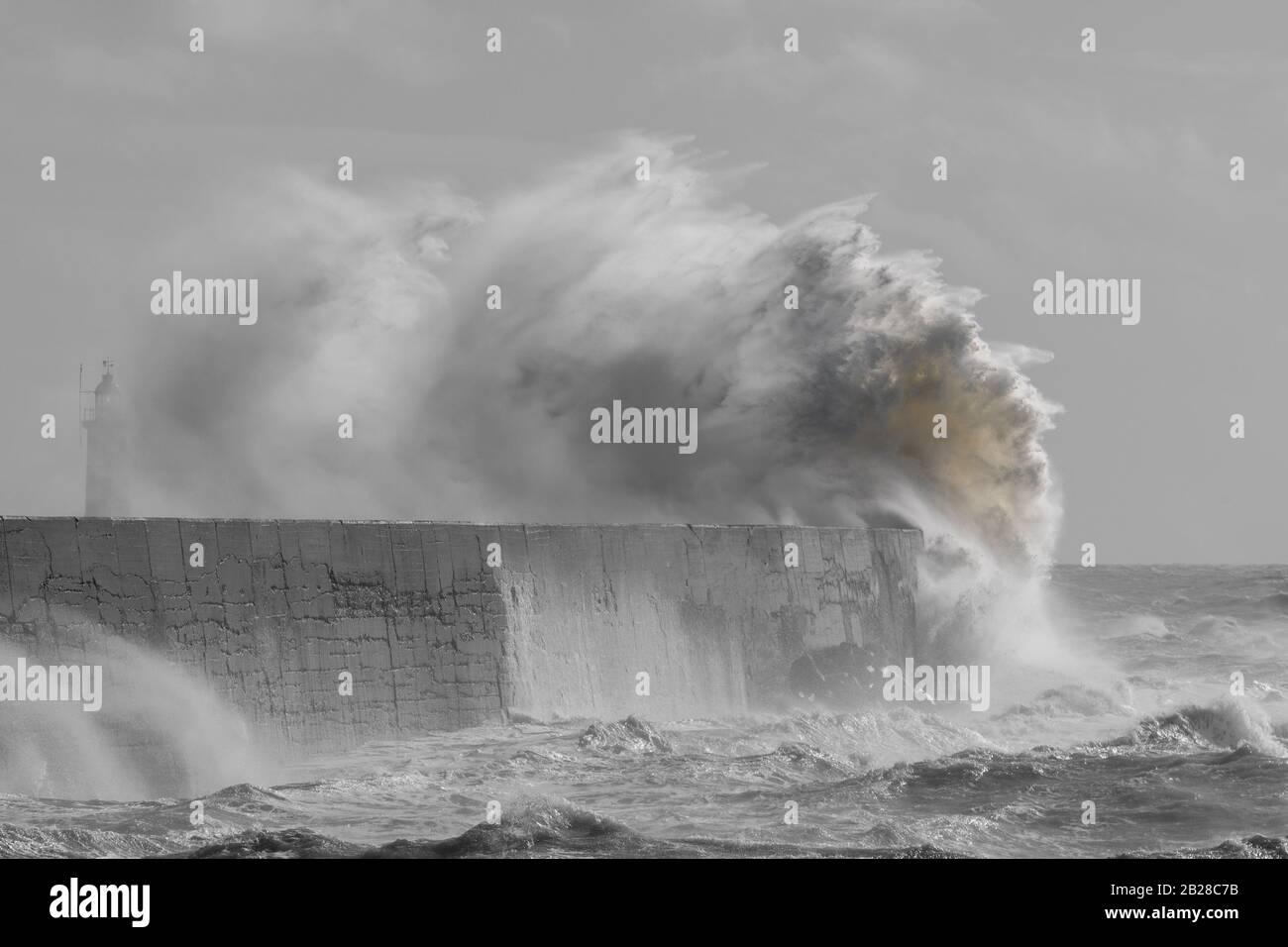 Newhaven, Sussex del este el 29 de febrero de 2020. Tormenta Jorge batters Inglaterra trayendo vientos fuertes y lluvia. Foto de stock