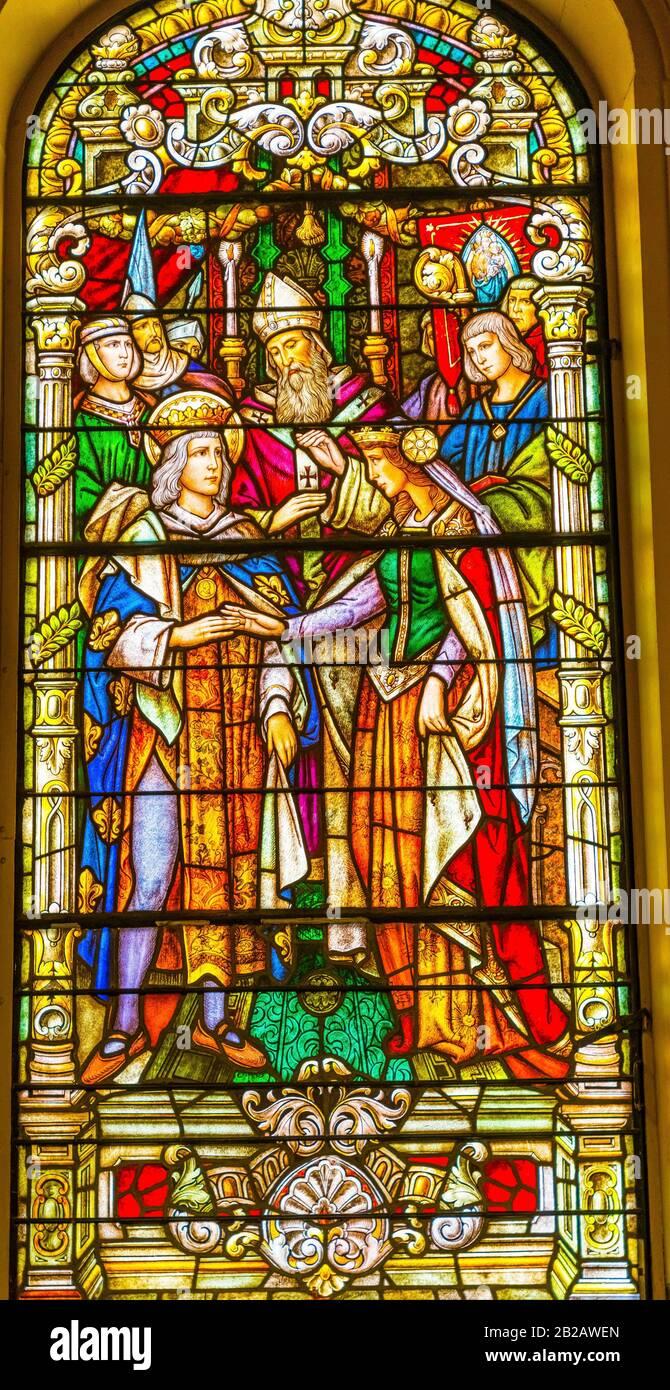 Rey Luis Reina Matrimonio Vidrieras Basílica De San Luis Catedral Más Antigua De Los Estados Unidos Nuevo Oreleans Louisiana. Construido 1718 Louis King Foto de stock