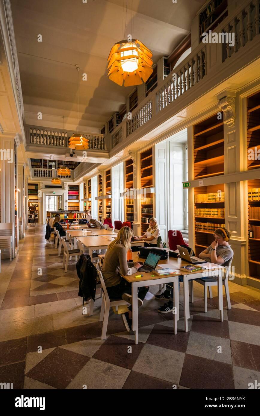 Suecia, Suecia Central, Uppsala, Biblioteca Carolina Rediviva, Interior Foto de stock