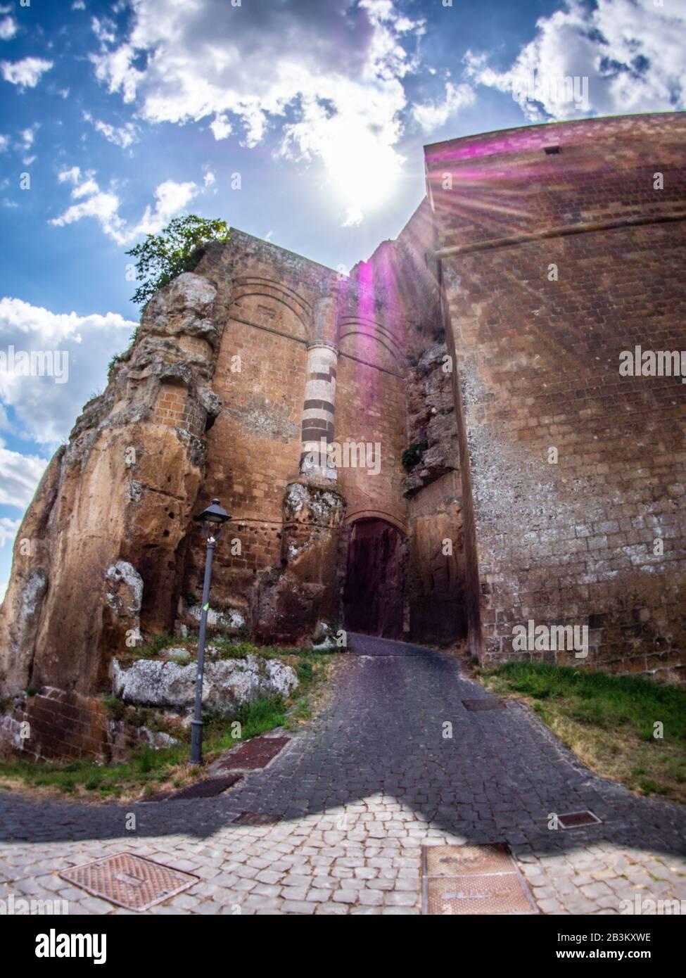 Italia, Umbría, Orvieto, Albornoz fortaleza, ahora jardín público Foto de stock