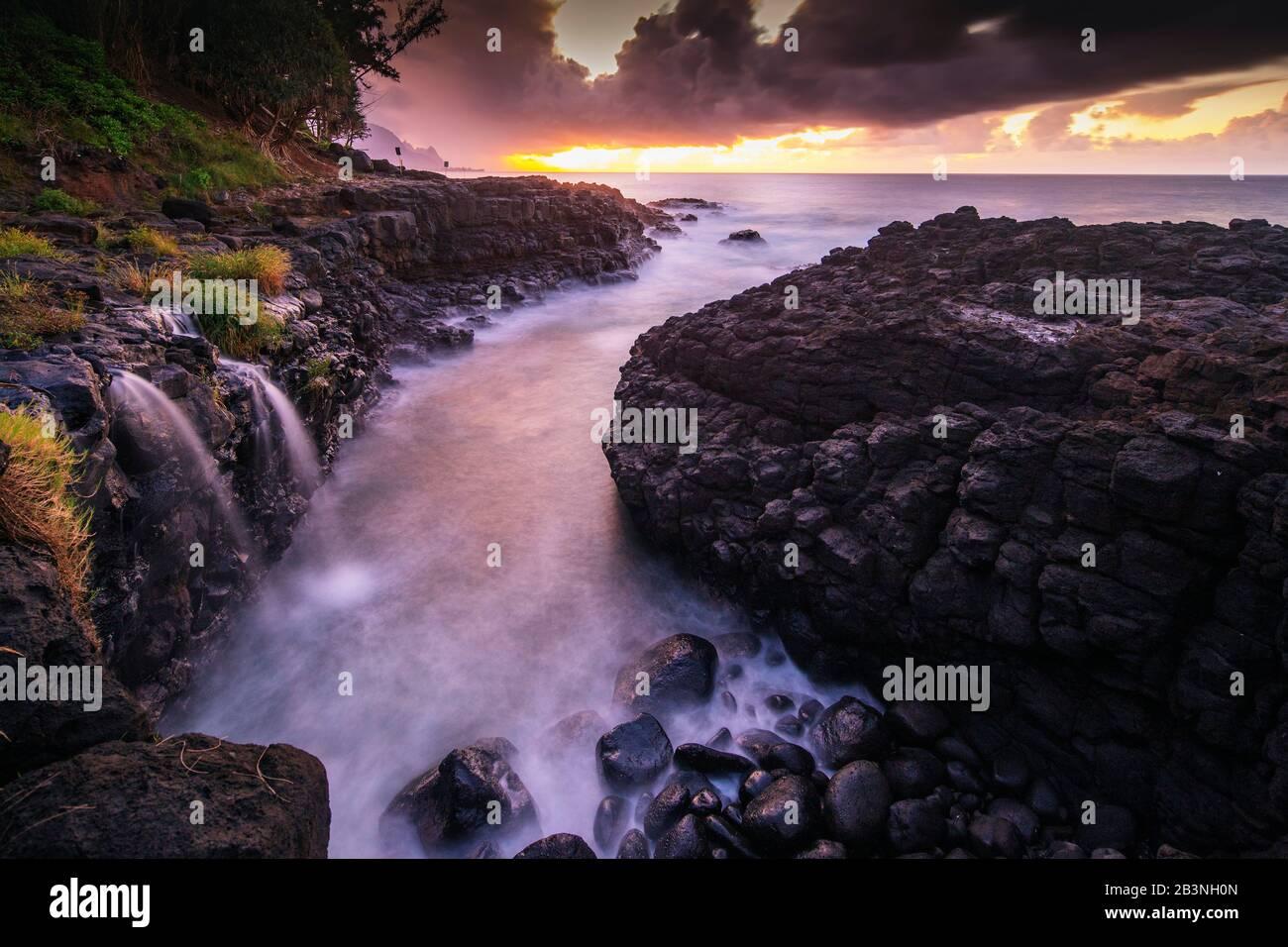 Princeville, Queens Baths, Kauai Island, Hawaii, Estados Unidos De América, América Del Norte Foto de stock