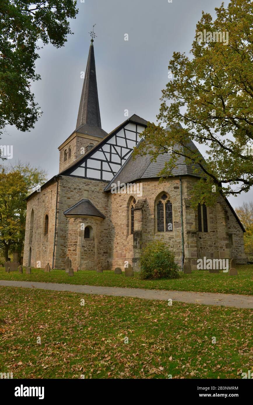 Dorfkirche Stiepel, Brockhauser Strasse, Stiepel, Bochum, Nordrhein-Westfalen, Deutschland Foto de stock