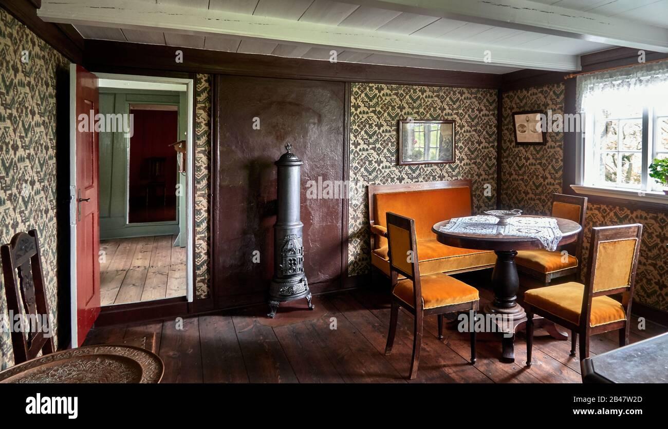 Dinamarca, la península de Tinganes , Torshavn, en el Museo Nacional de las Islas Feroe , antigua granja natural y cultural histórica de la Contry , casas de madera en Tinganes fueron construidas en los siglos XVI y XVII , granja, comedor Foto de stock