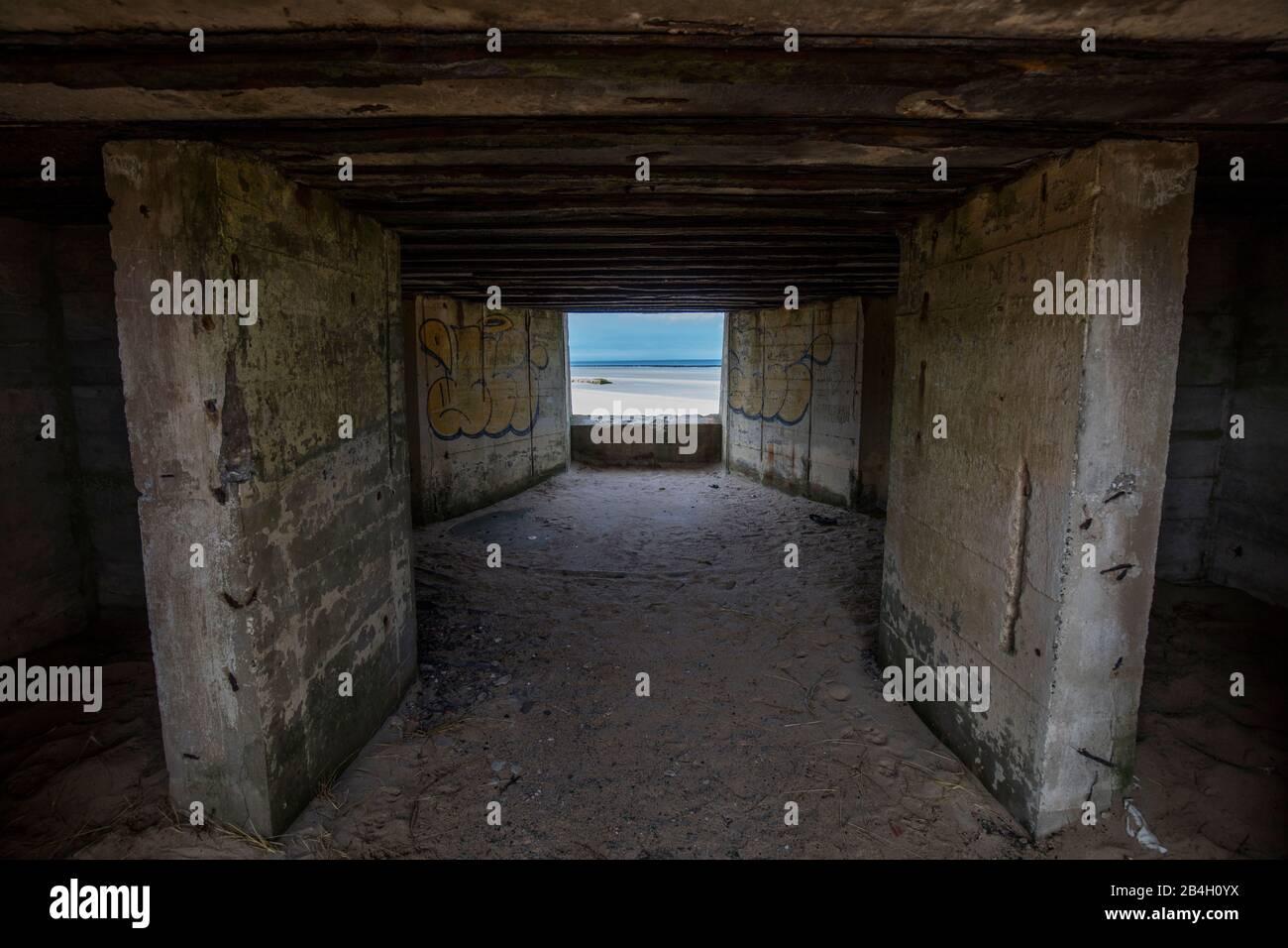 Normandía, búnker alemán, pared atlántica, marea baja, Foto de stock