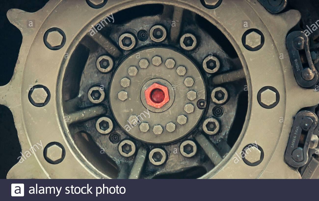 abstracto, circular, rueda, tanque, rastreador, pista, primer plano, colores de camuflaje Foto de stock