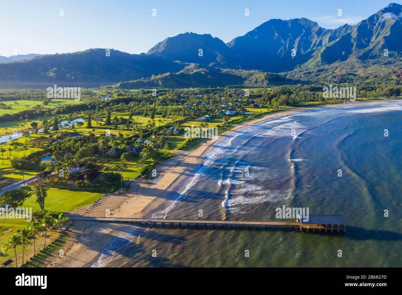 Estados Unidos de América, Hawai, Isla Kauai, Bahía Hanalei, vista aérea Foto de stock