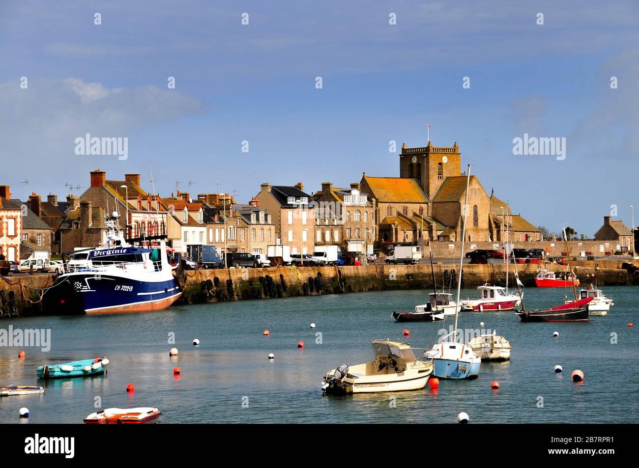 Puerto de Barfleur, península de Cotentin, Normandía, Francia, Europa Foto de stock