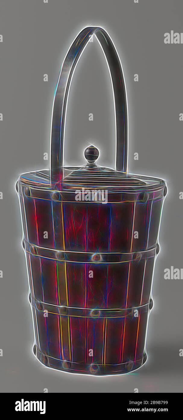 Brass Bucket With Handle Fotos e Imágenes de stock Alamy