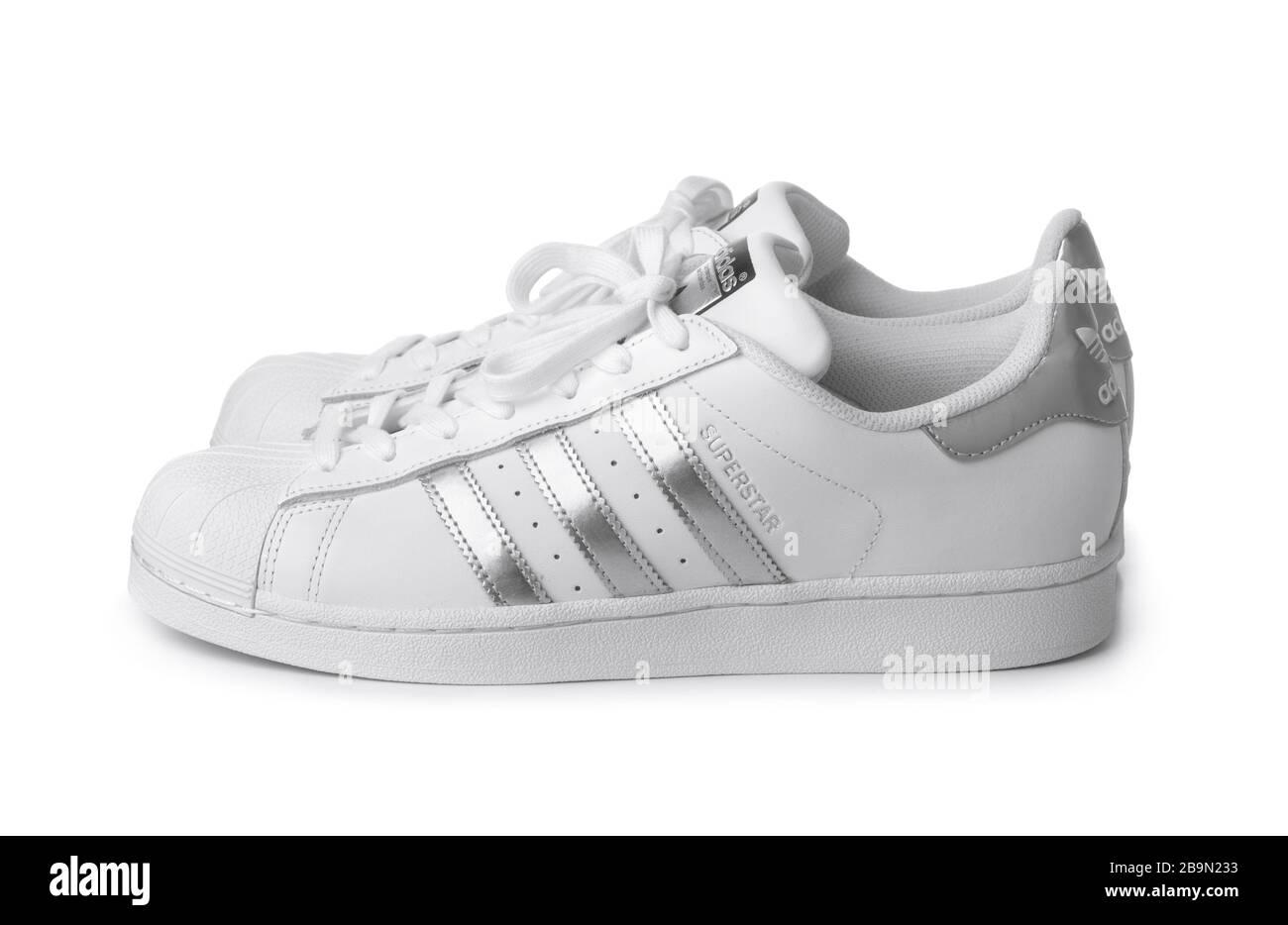 zapatos blancos adidas