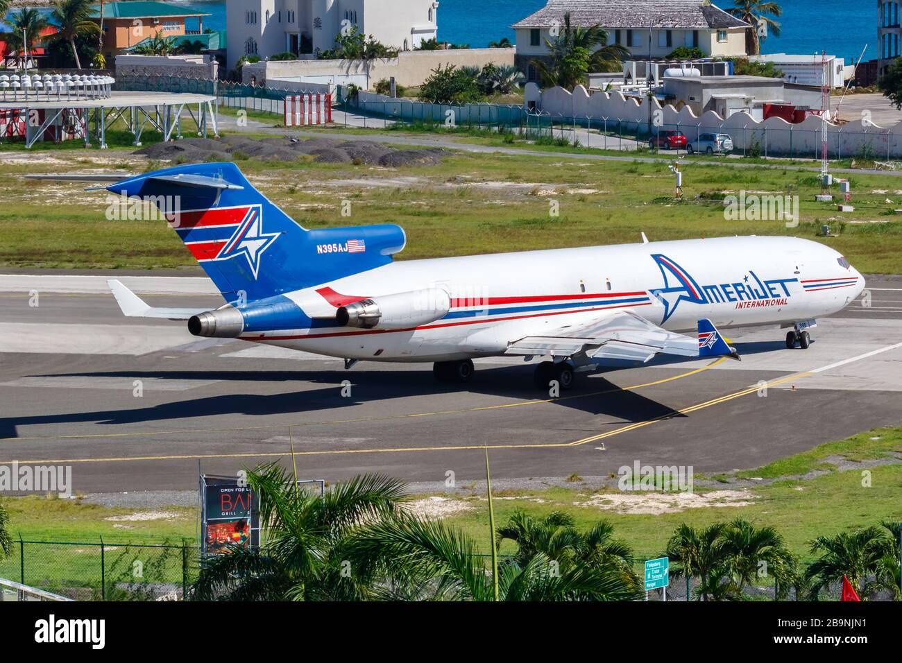 Sint Maarten, Antillas Holandesas – 20 de septiembre de 2016: Avión Amerijet International Boeing 727-200F en el aeropuerto Sint Maarten (SXM) en Holanda Foto de stock