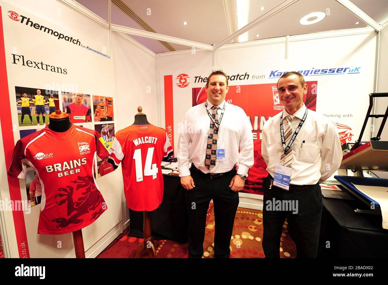 Thermopatch por Kannegiesser expositores británicos el primer día de la Expo de Rugby 2012 Foto de stock
