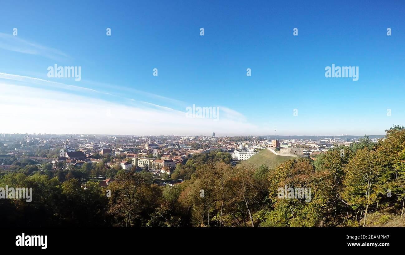 El horizonte de Vilnius en Lituania Foto de stock