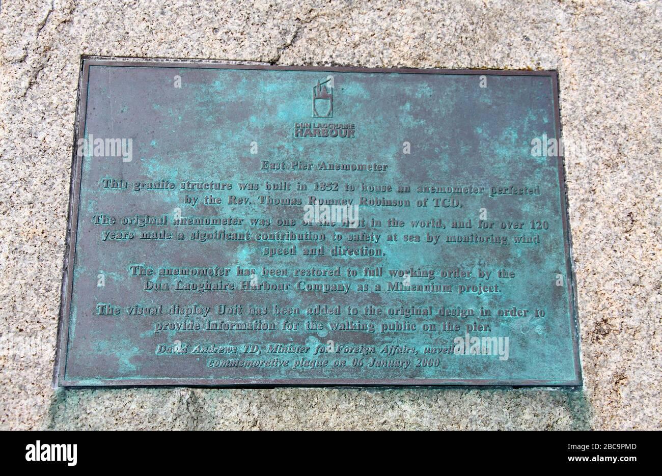 Placa anemómetro del muelle este en Dun Laoghaire en el Condado de Dublín Foto de stock