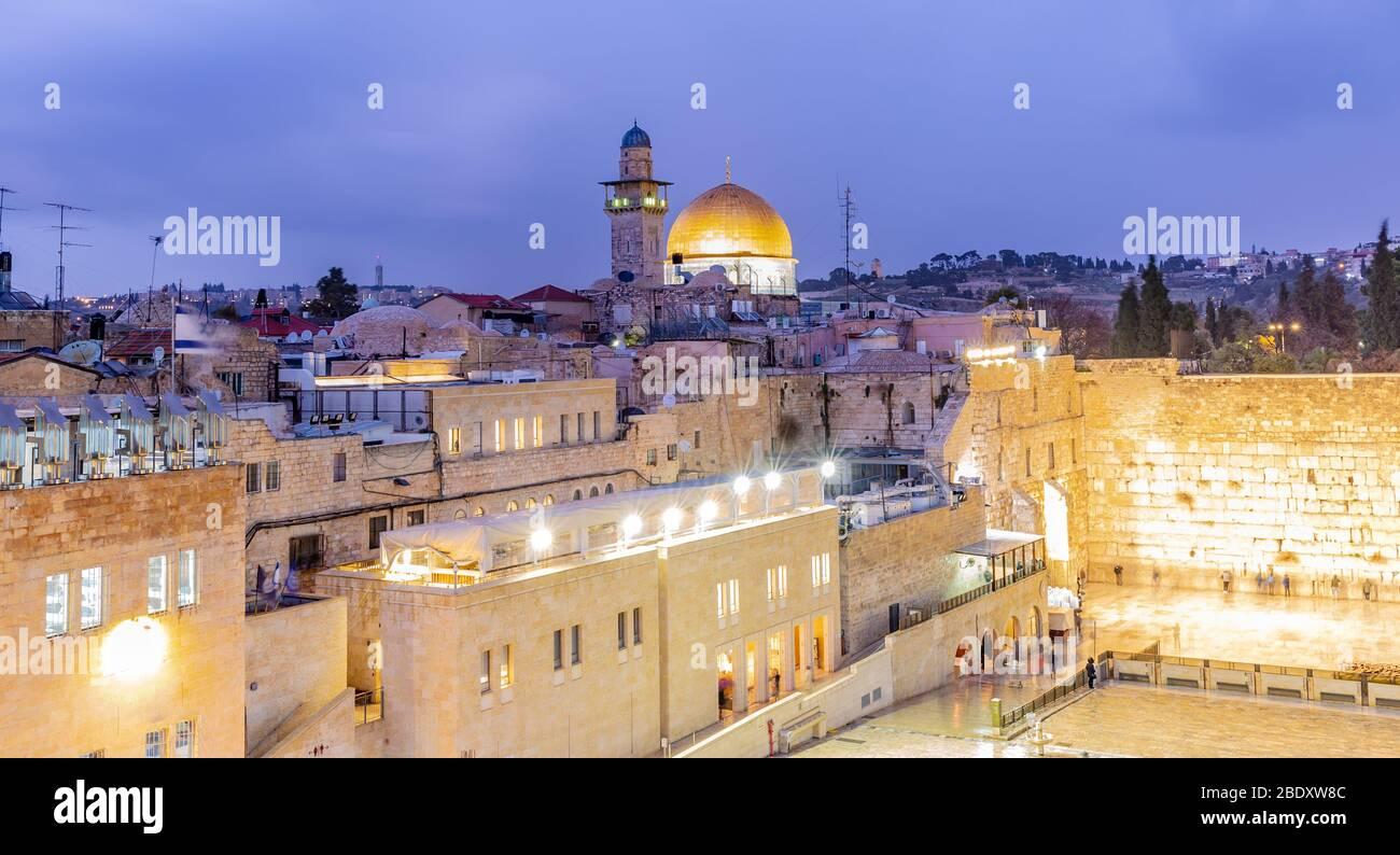 El Monte del Templo - Muro Occidental y la mezquita de la Cúpula de la Roca en la ciudad vieja de Jerusalén, Israel Foto de stock