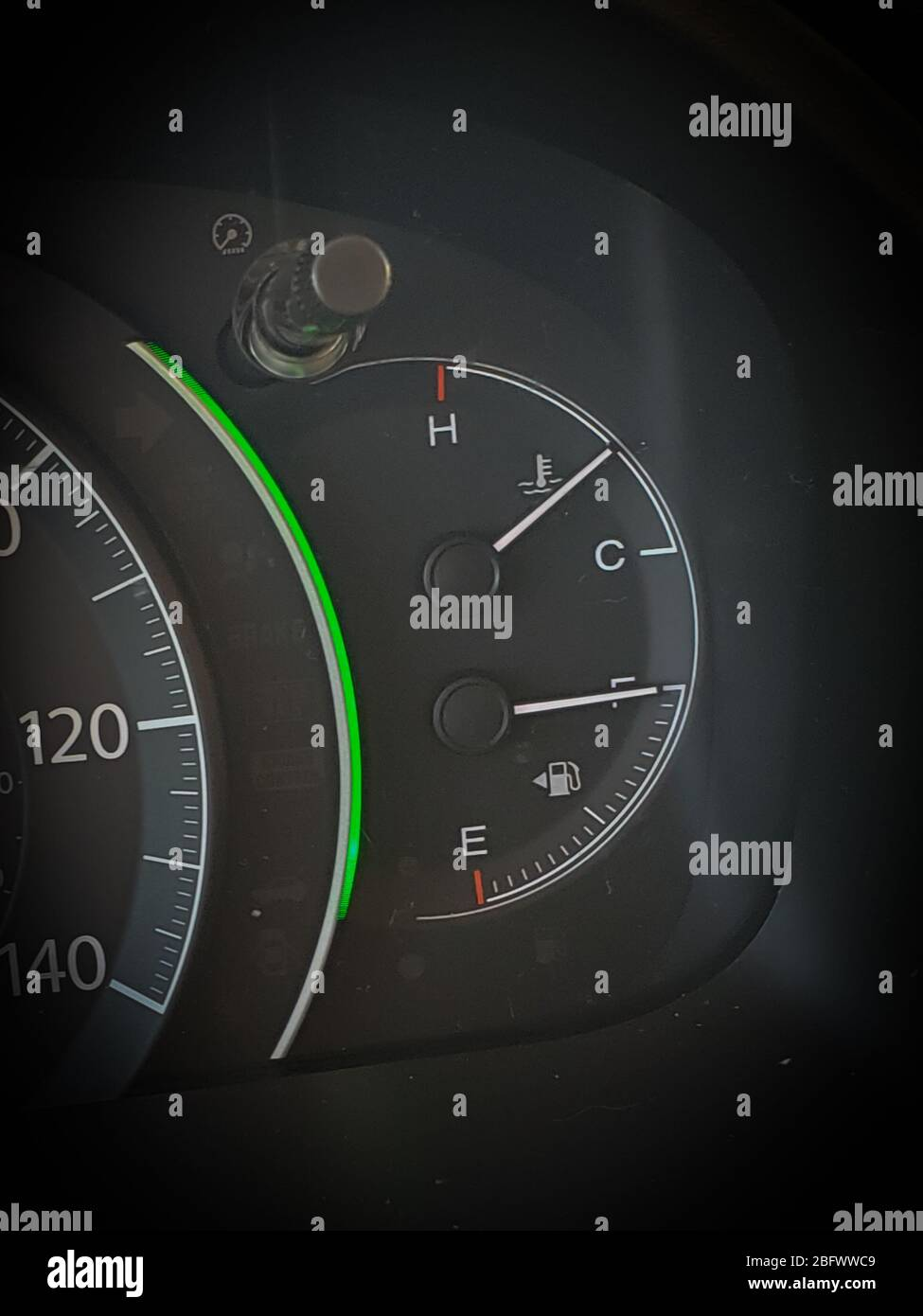Un indicador de tanque de gas que muestra un tanque lleno de gas Foto de stock