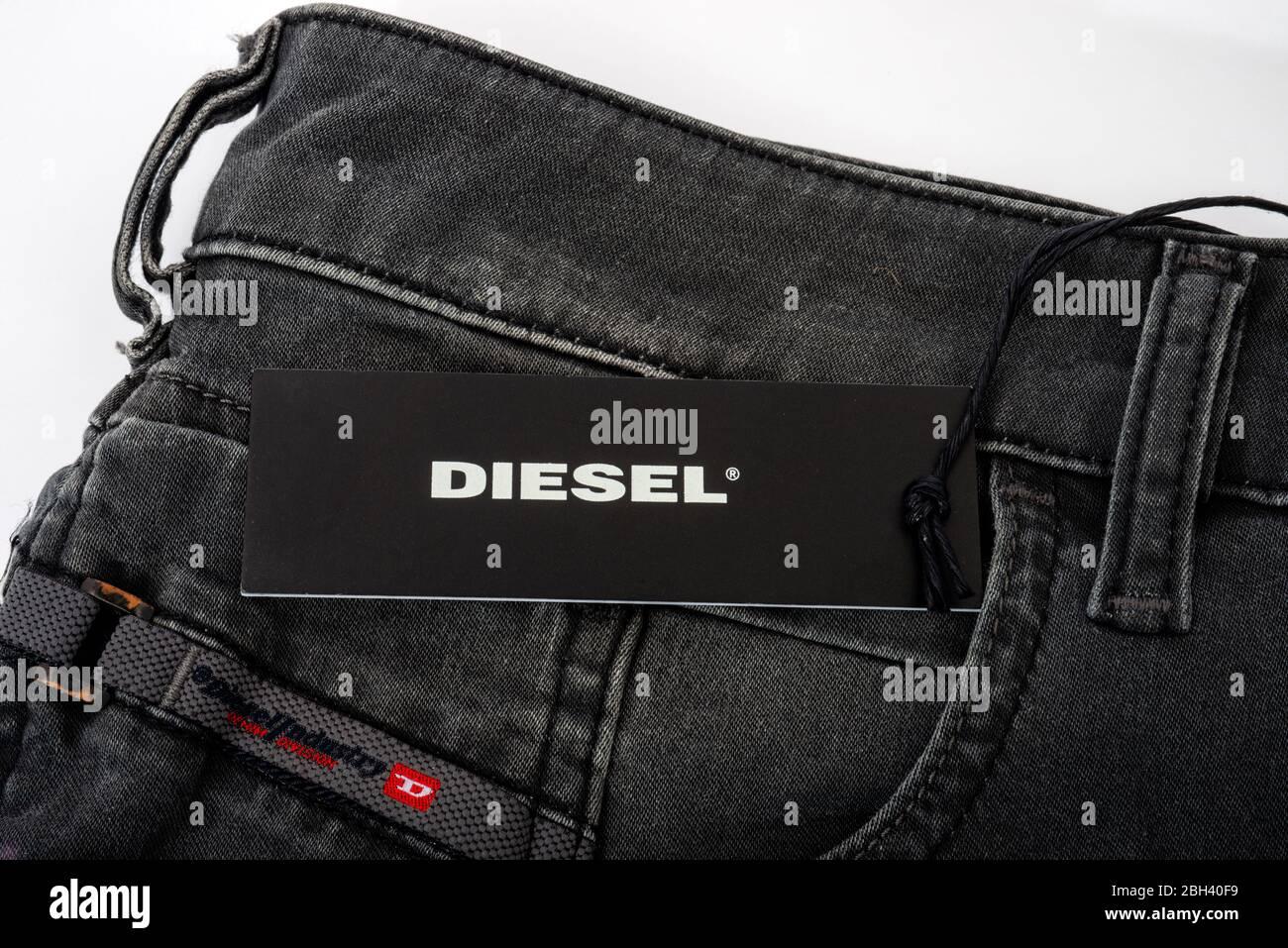 Jeans Diesel Para Hombre Fotografia De Stock Alamy