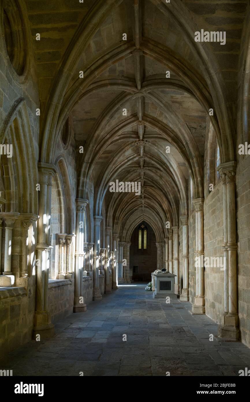 Claustros de la Catedral de Evora- Claustro da se - en Portugal Foto de stock