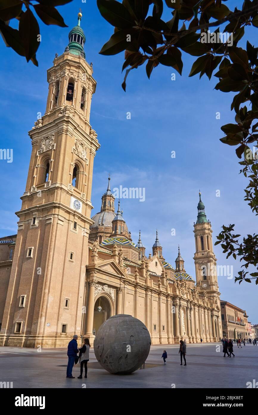 Basílica Catedral de nuestra Señora del Pilar, Plaza del Pilar, Zaragoza, Aragón, España, Europa Foto de stock